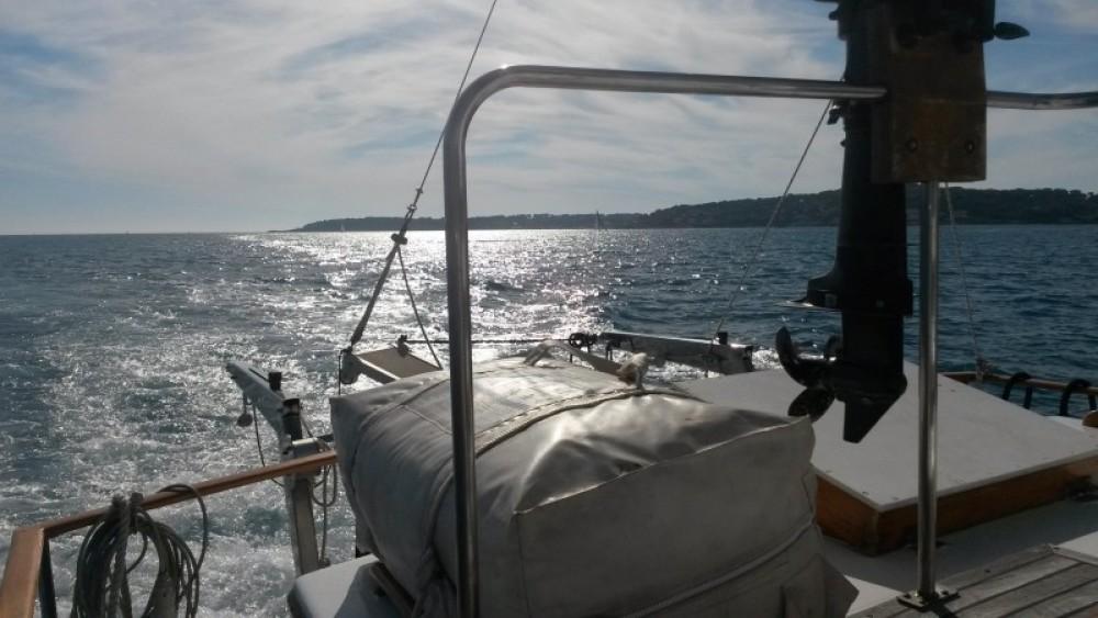Alquiler Lancha Island Gypsy con título de navegación