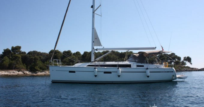Alquiler de Bavaria Cruiser 37 en Vallauris