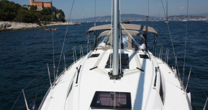 Alquiler de yate Vallauris - Bavaria Cruiser 37 en SamBoat