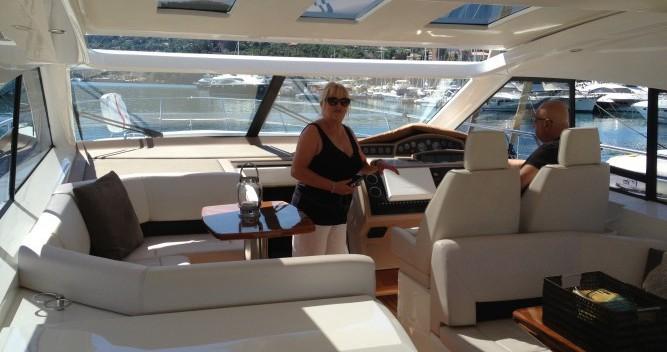 Alquiler Lancha Princess con título de navegación