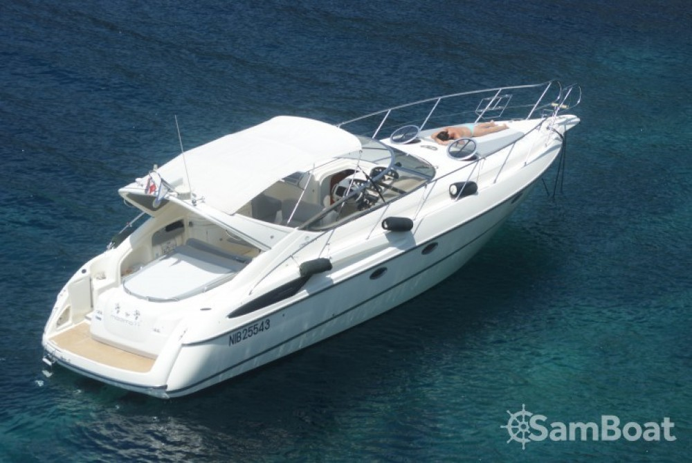 Alquiler de yate Tolón - Cranchi Endurance 39 en SamBoat