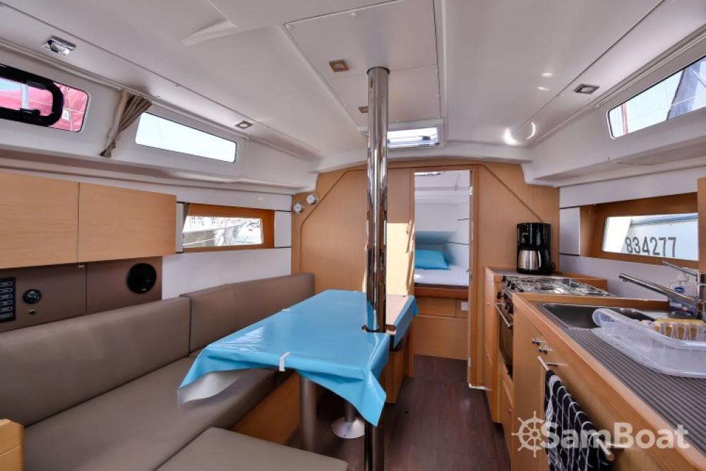 Alquiler de yate Les Sables-d'Olonne - Bénéteau Oceanis 35 en SamBoat
