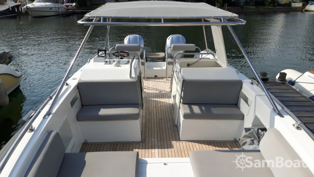 Ivela Catamaran entre particulares y profesional Grimaud