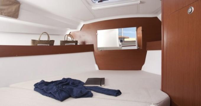 Alquiler de barcos La Rochelle barato de Antares 780 HB