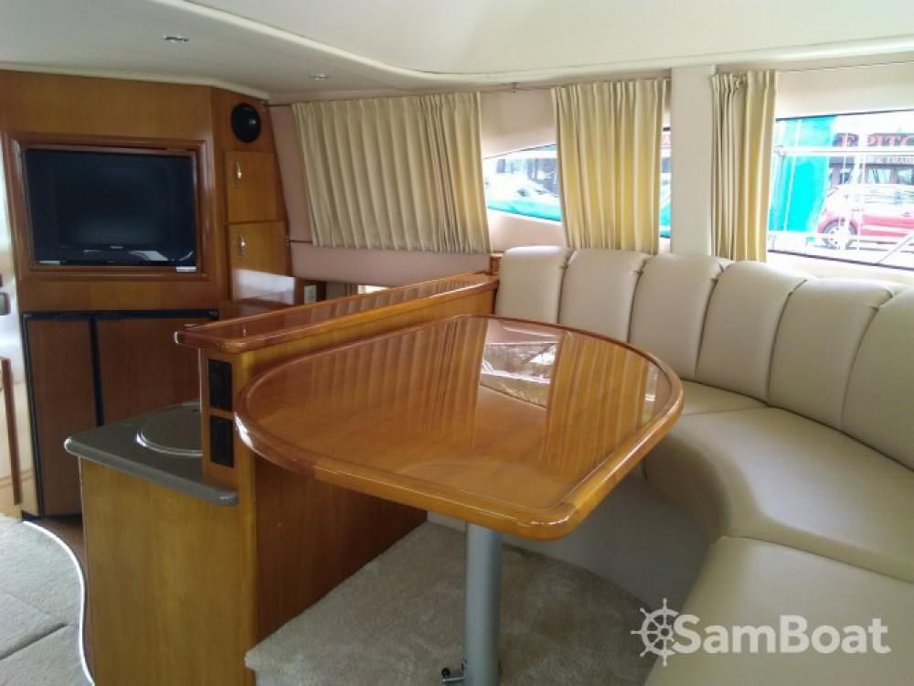 Alquiler Lancha Carver con título de navegación