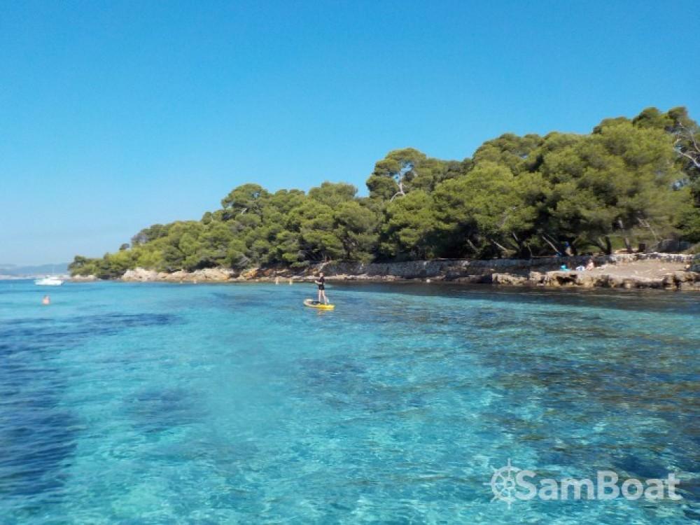 Alquiler de yate Antibes - Bénéteau Flyer 7.7 SUNdeck en SamBoat