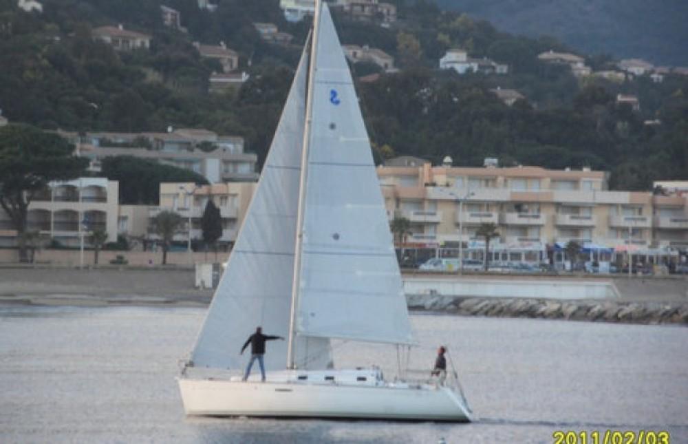 Alquiler de barcos Bénéteau First 31.7 enCavalaire-sur-Mer en Samboat