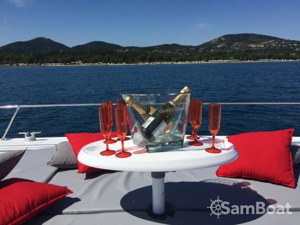 Alquiler de yate Saint-Tropez - Technomarine Cobra 65 en SamBoat