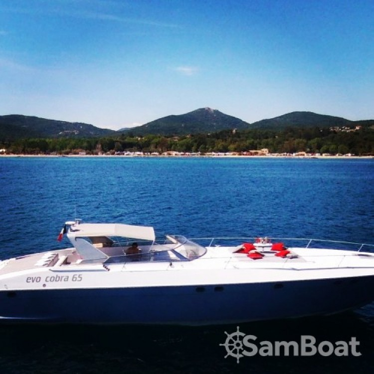 Technomarine Cobra 65 entre particulares y profesional Saint-Tropez