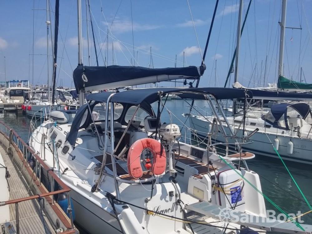 Alquiler de Hunter-Marine Hunter 36 en Port Camille Rayon