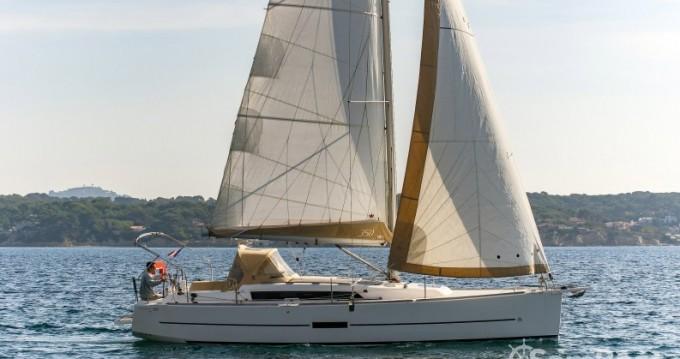 Alquiler de barcos Sanary-sur-Mer barato de Dufour 350 Grand Large