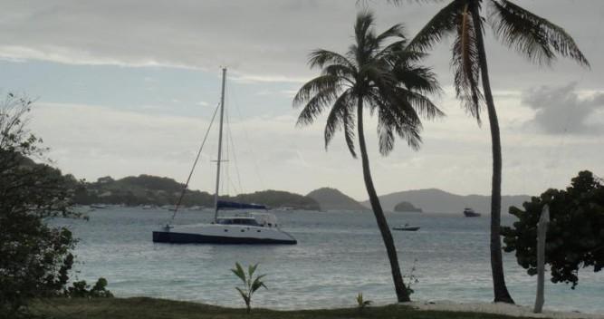 Alquiler de Multicap-Caraibes Punch 12.50 en La Trinité-sur-Mer