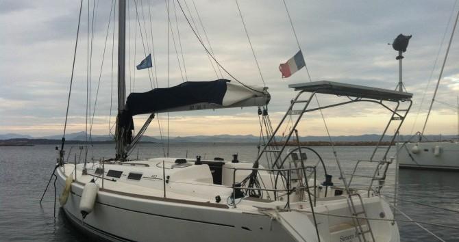 Alquiler de Dufour Dufour 40 Performance en La Seyne-sur-Mer