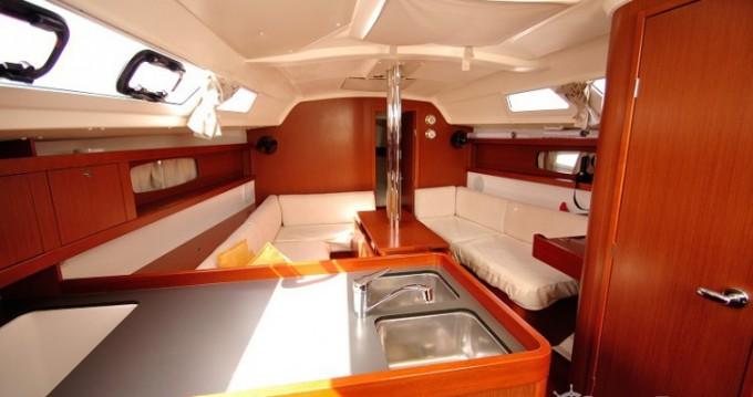 Alquiler de barcos Cagliari barato de Oceanis 34
