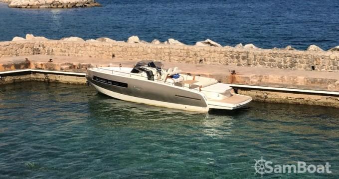 Alquiler de barcos Invictus  280 GT enBeaulieu-sur-Mer en Samboat
