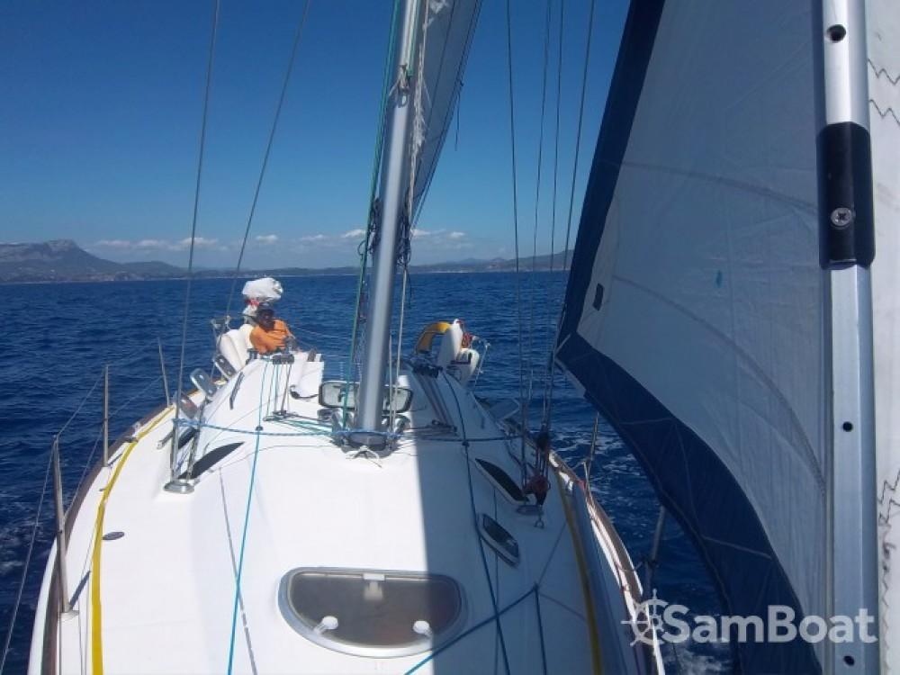 Alquiler de yate Tolón - Bénéteau First 33.7 en SamBoat