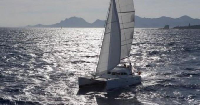 Alquiler de yate Ibiza (Ciudad) - Lagoon Lagoon 380 S2 en SamBoat