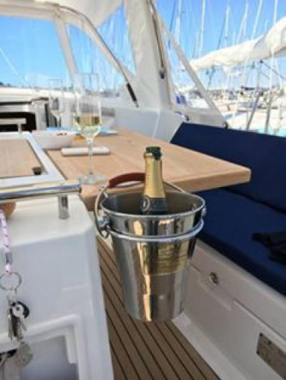 Alquiler de barcos Bénéteau Oceanis 38 enSaint-Florent en Samboat