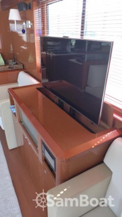 Alquiler de Bénéteau Swift Trawler 52 en Licata