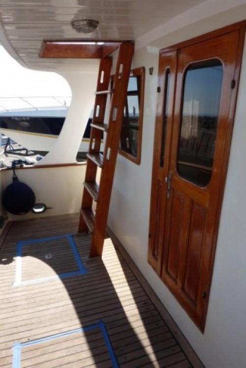 Alquiler Lancha en San Antonio Abad - Modern-Yacht Gemar 42s