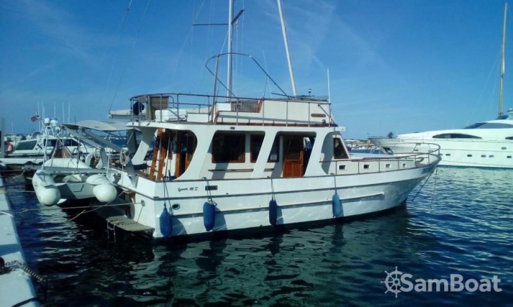 Alquiler de Modern-Yacht Gemar 42s en San Antonio Abad