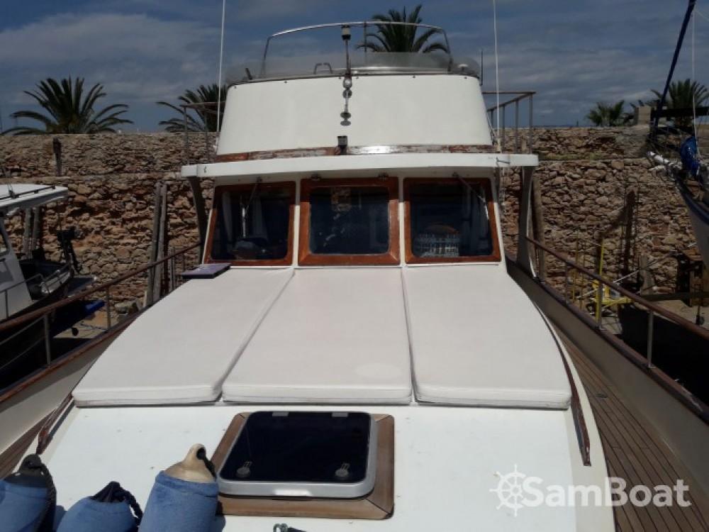 Alquiler Lancha Modern-Yacht con título de navegación