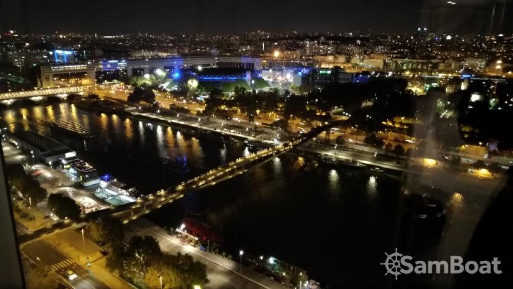 Alquiler de Klaassen Super Van Craft en París