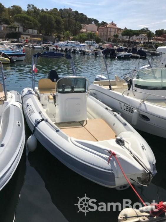 Alquiler de barcos Motonautica-Vesuviana MV 700 enLa Ciotat en Samboat