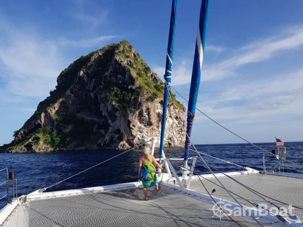 Catamarán para alquilar Marina du Marin al mejor precio