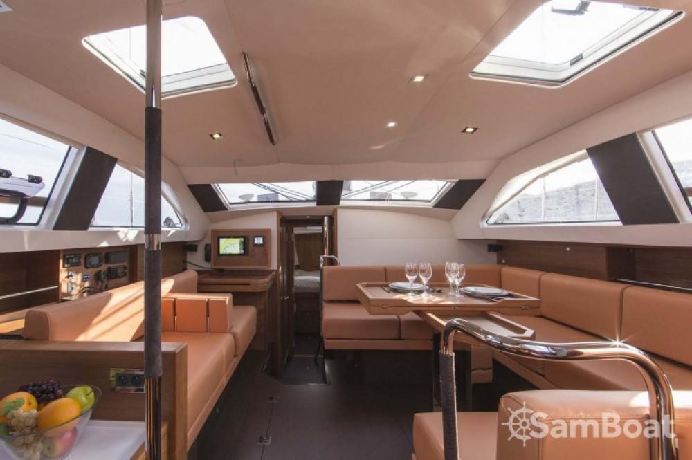 Alquiler de yate Ajaccio - Wauquiez Pilot Saloon 48 en SamBoat