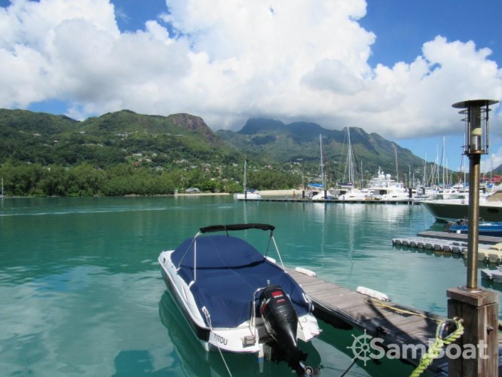 Alquiler de barcos Sensation 2400 enVictoria en Samboat