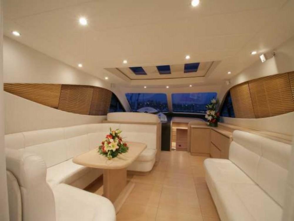 "Alquiler de barcos Cannes barato de 20.60 metres (67' 7"")"