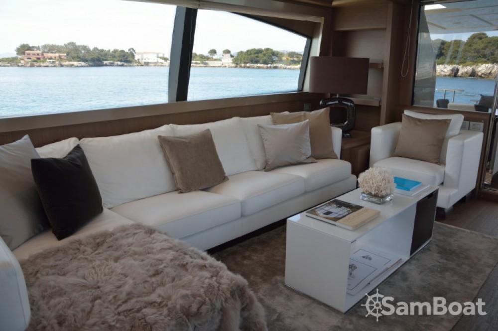 "Alquiler de yate Cannes - Ferretti 24.71 metres (81' 1"") en SamBoat"