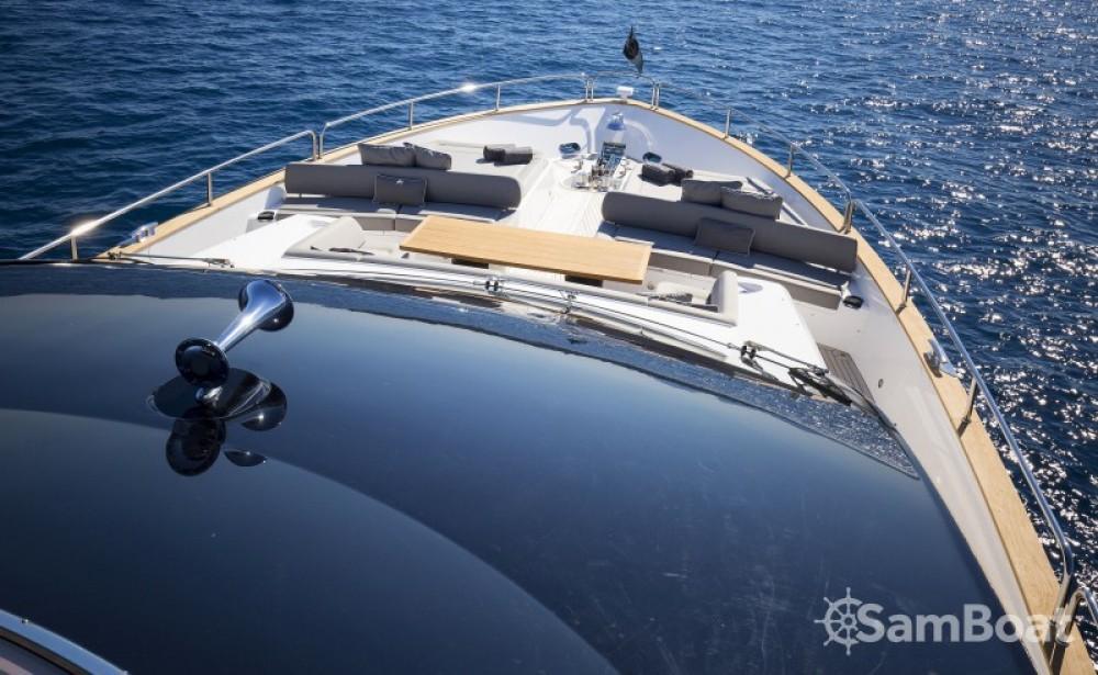 Alquiler Yates Sunseeker con título de navegación