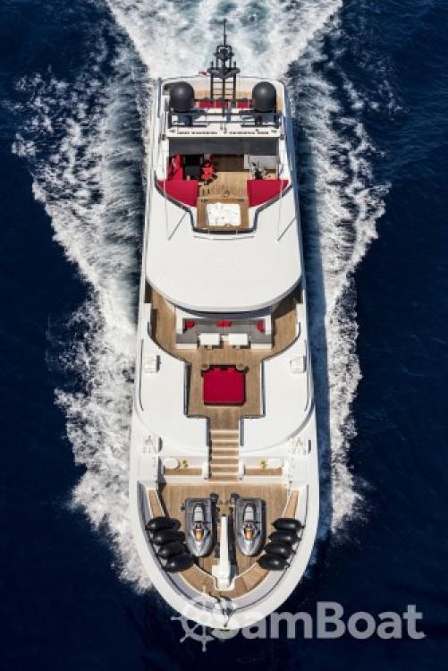 """Alquiler de barcos  barato de 42.90 metres (140' 9"""")"""