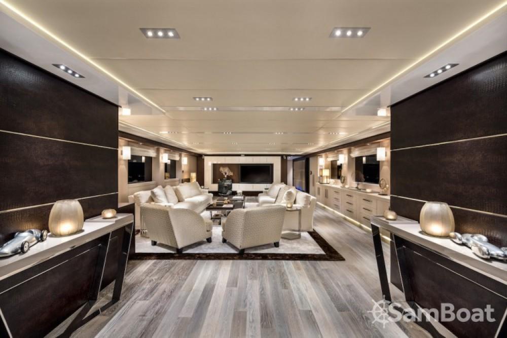 Alquiler Yates Concept-Marine con título de navegación