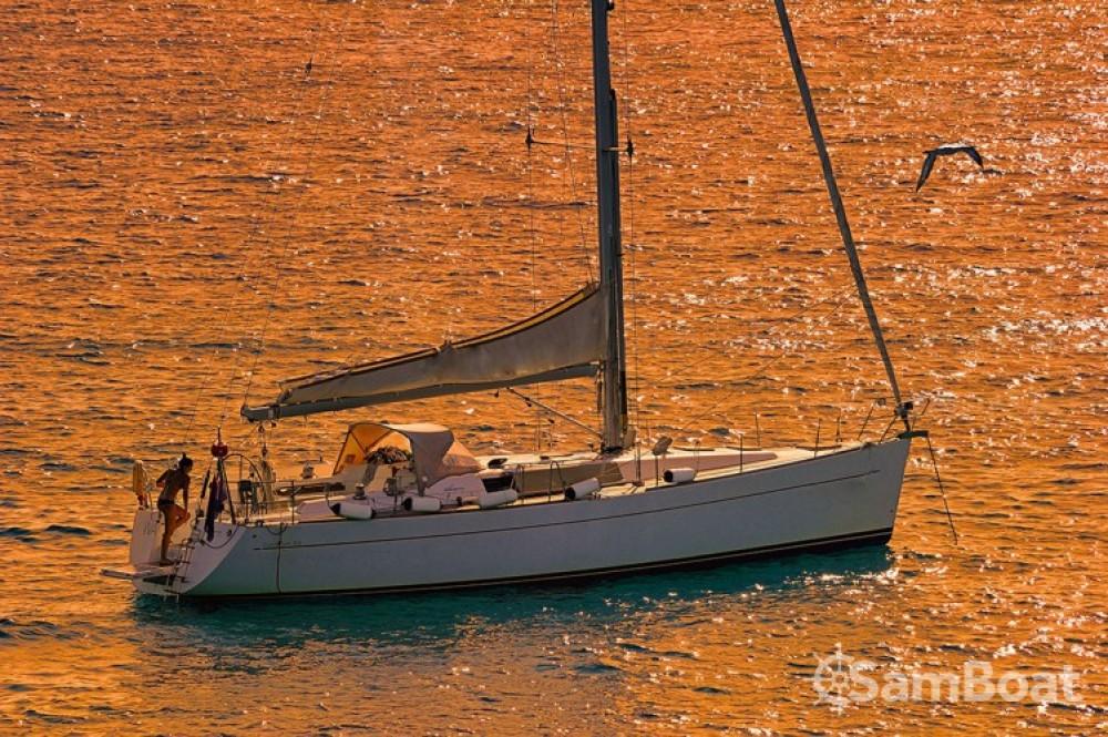 Alquiler Velero Wauquiez con título de navegación