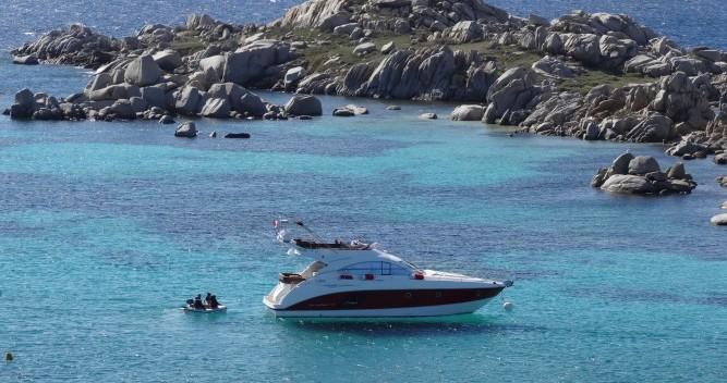 Alquiler de Bénéteau Monte Carlo 47 Fly en Antibes
