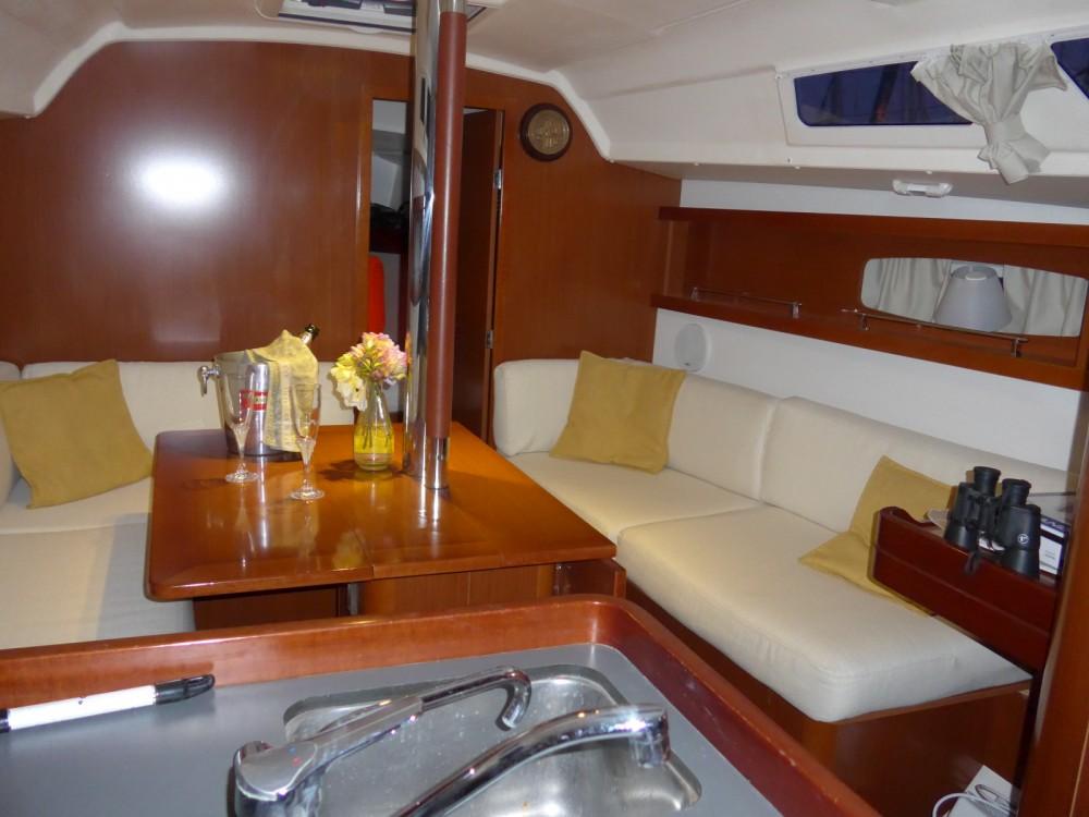 Alquiler de barcos Bénéteau Oceanis 34 Elegance enTolón en Samboat