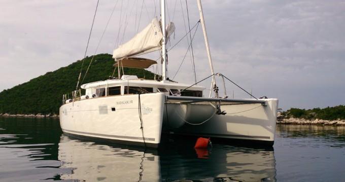 Catamarán para alquilar Rogač al mejor precio