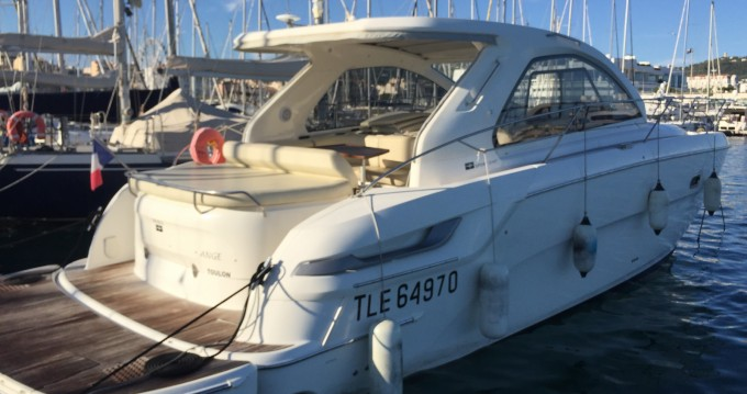 Alquiler de yate Cannes - Bavaria Bavaria 38 Hard Top en SamBoat