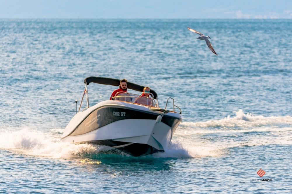 Alquiler Lancha Okiboats con título de navegación