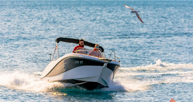 Alquiler de barcos Split barato de Barracuda 545 Open
