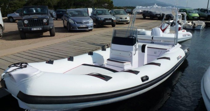 Alquiler de barcos Pianottoli-Caldarello barato de Selva D650 Ds
