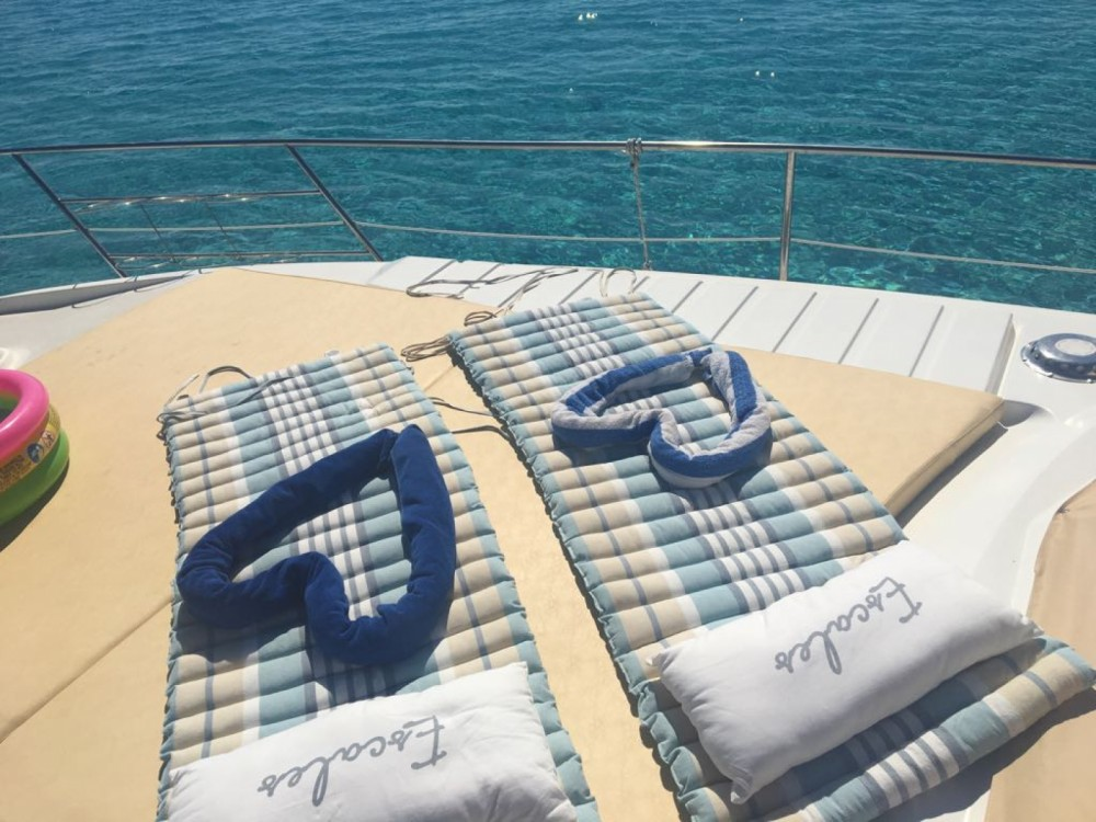 Alquiler de barcos Isthintini/Stintino barato de Absolute 43 Fly
