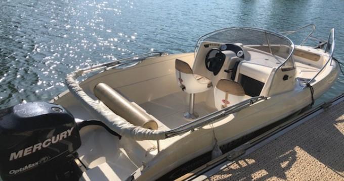 Alquiler Lancha Poseidon con título de navegación