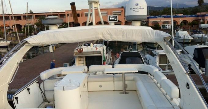 Alquiler de barcos Furnari barato de 64 FLY