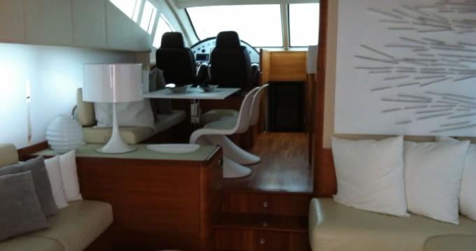 Alquiler de yate Furnari - Aicon 64 FLY en SamBoat