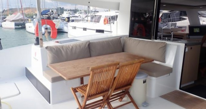 Fountaine Pajot Lucia 40 entre particulares y profesional Phuket