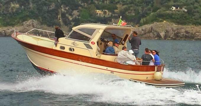 Alquiler Lancha Aprea con título de navegación